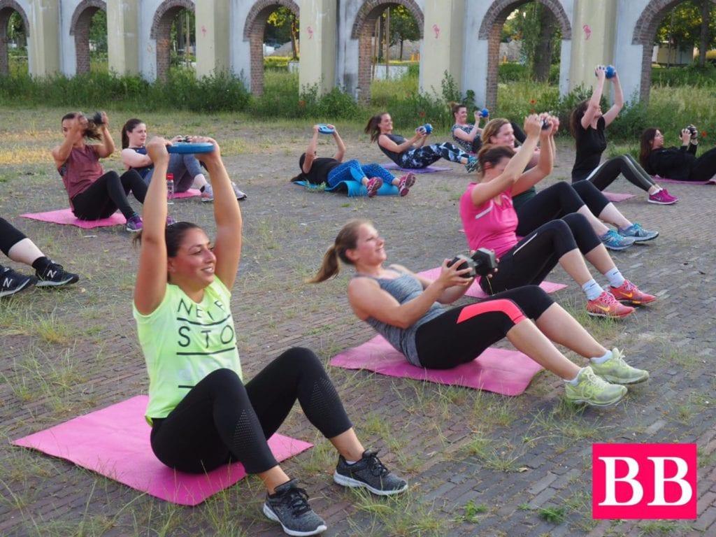 fitmedance_dansen_bootcamp_utrecht_hoograven_dasnles_afvallen_pilates_yoga_sportschool_fitness_groepsles